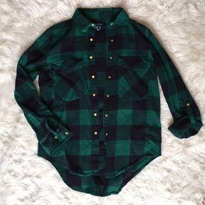 Women's green & black checkered snap up shirt